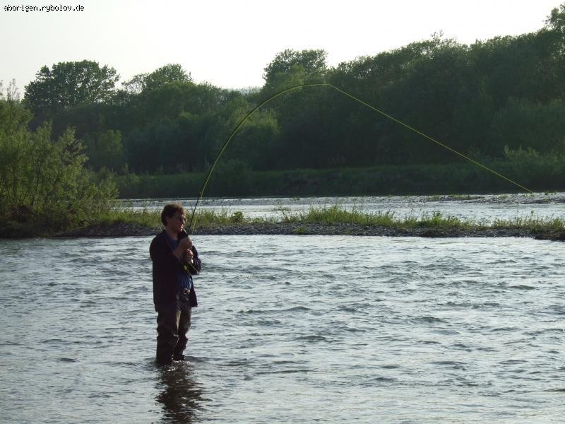 рыбалка на мушку на озере